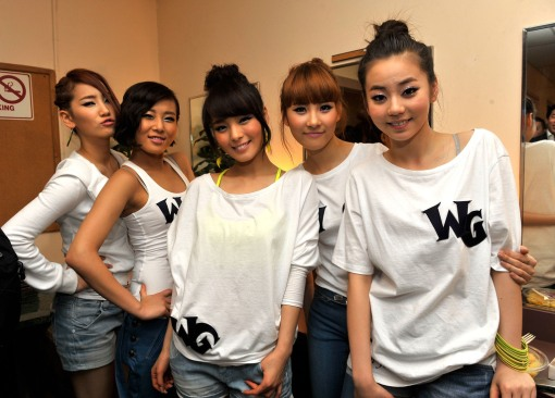 The Wonder Girls pose backstage after performing at the Wiltern theater on March 5, 2009 in Los Angeles, California.